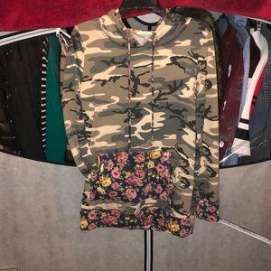 Tops - Floral & camo long hoodie 😍